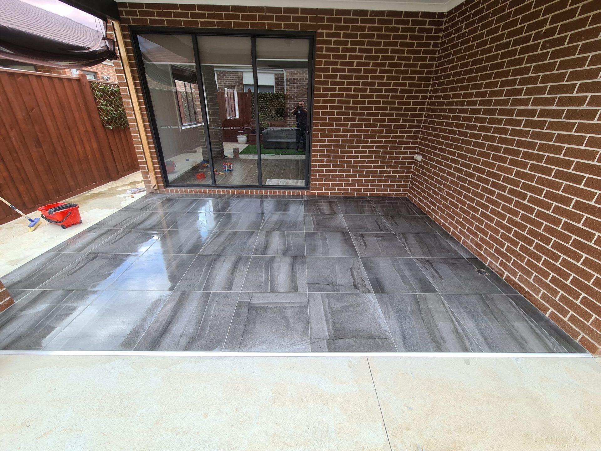 Back alfresco tiling